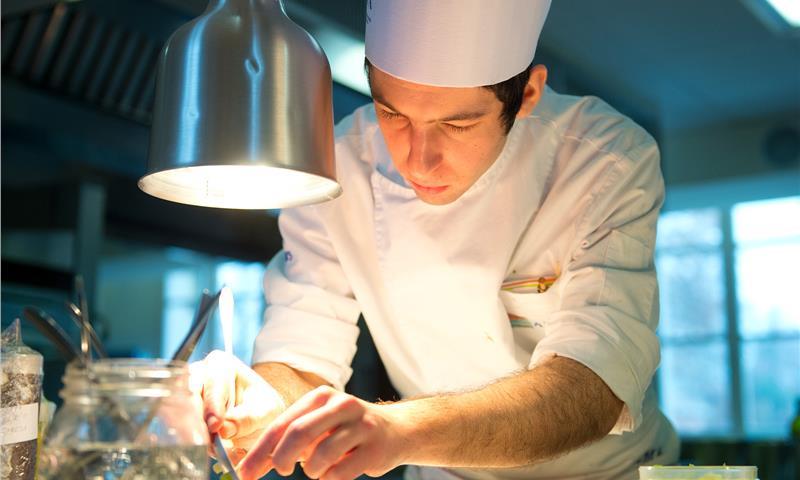 Corso cucina livello avanzato con attestato su scuolaecorsi.it