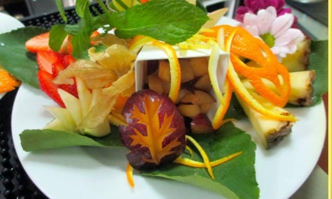 FRUIT GARNISHING - CORSO DI DECORAZIONE FOOD & BEVERAGE - EQUILIBRIUM BAR SERVICE ACADEMY